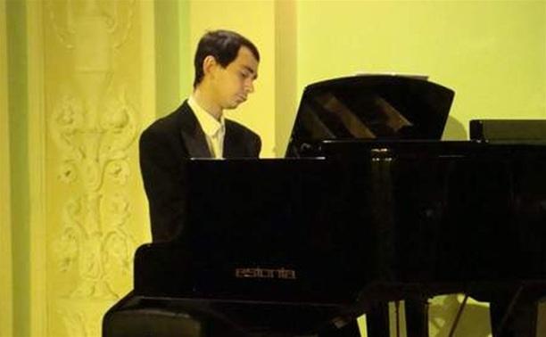 Павел Кушнир (фортепиано)