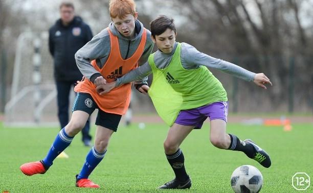Отбор юных футболистов в школу «Арсенала»