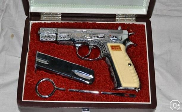 Наградное и подарочное оружие российских военачальников XX века