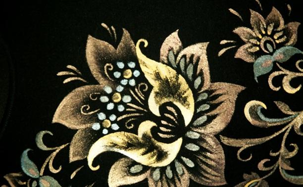 Искусство золотой хохломы