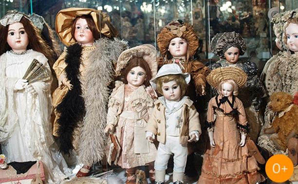 Удивительный мир старинных кукол