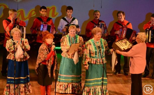 «Озорные переборы»: В Туле играет гармонь