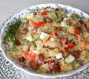 Салат из квашеной капусты с консервированной фасолью
