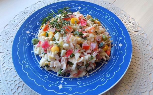 """Салат из крабовых палочек с """"Гавайской смесью овощей"""""""