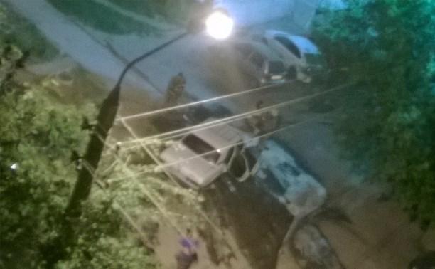 Сгорела машина в Туле