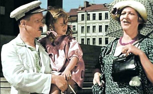 25 марта: в Туле начали показывать фильм о девочке, которая пропала сразу из четырех мест