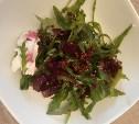 Салат с киноа и печёной свеклой