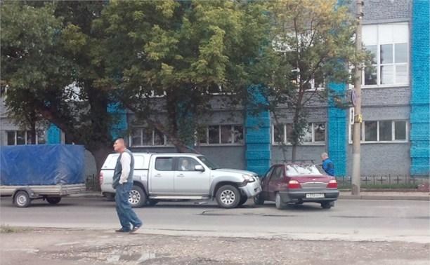 Авария на ул.Мосина в Туле