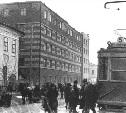 24 марта: в Туле начато строительство дома «Красная кузня». Теперь это «Гостинка»