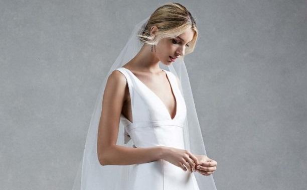 Модная свадьба: платье или брючный костюм?