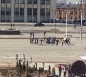 Хоровод фанатов вокруг полиции (видео)