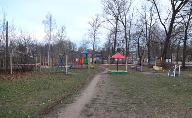 Дом вместо детской площадки?!