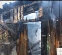 В Плавске на улице Мира сгорели два сарая
