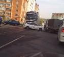 "У ТЦ ""Пролетарский"" фура Volvo врезалась в ВАЗ-2114"