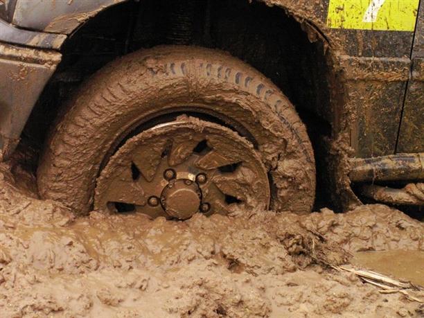 Застройщиков заставят мыть колеса грузовиков