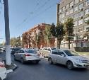 Возле здания прокуратуры Тульской области иномарка двигалась по встречке