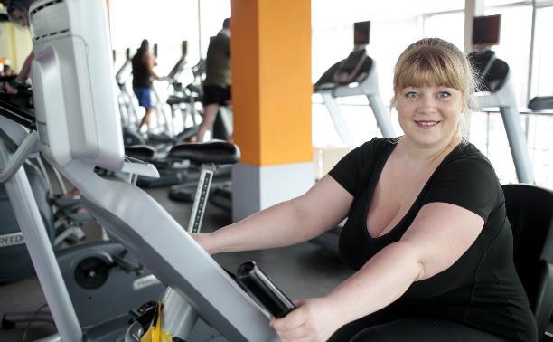 Лариса Барзенкова: «Улыбаемся и машем… гирями в спортзале!»