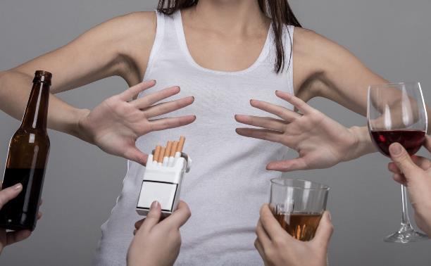 В Минздраве поддержали идею поднять минимальный возраст продажи алкоголя