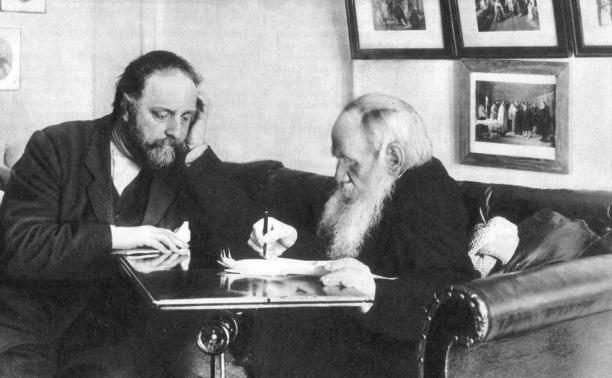 7 февраля: на вокзале в Туле конфискованы запрещенные книги Толстого