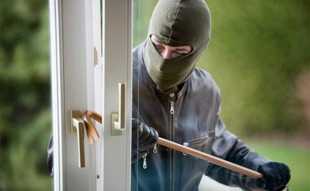 В последнее время в Щекино участились кражи из квартир первых этажей.