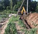 «Отец сидит и плачет как ребенок»: коммунальщики разрушили огород пенсионера