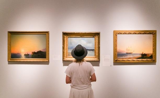 Год искусства: книги, приложения и предметы, с которыми можно подумать о высоком