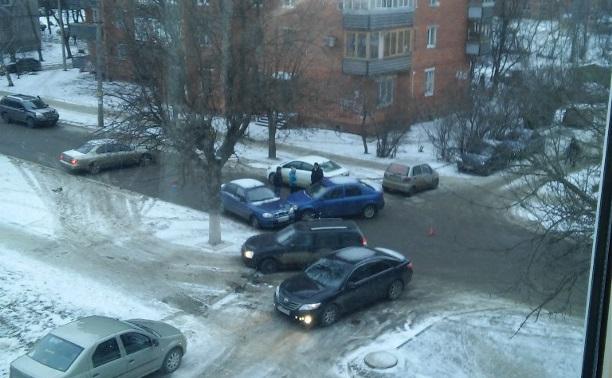 Авария в Туле на ул. Бундурина