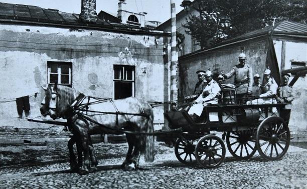 21 октября: в Тульской губернии на пожаре украли сто ведер водки