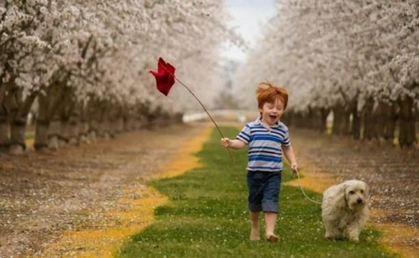 Выкладывайте весёлые детские фото с прогулок