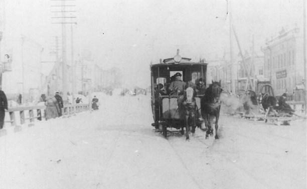 19 ноября: в Туле запретили посыпать тротуары солью