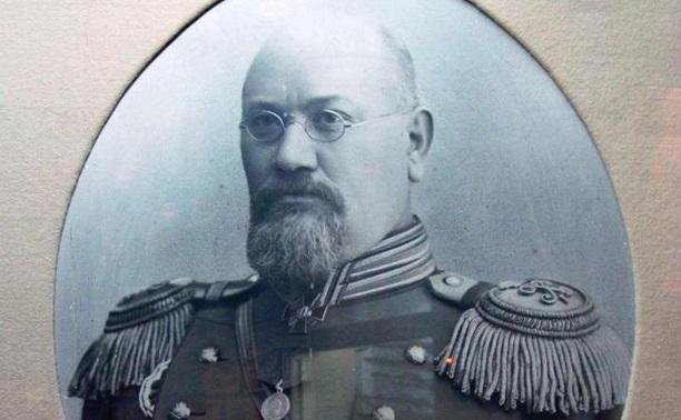 Оружейник Сергей Зыбин