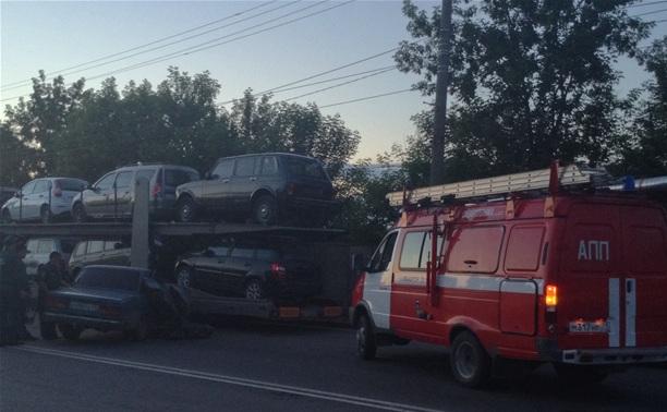ДТП с участием автовоза на Павшинском мосту