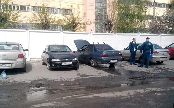 """Около Фрунзенского рынка сгорела """"Нексия"""""""