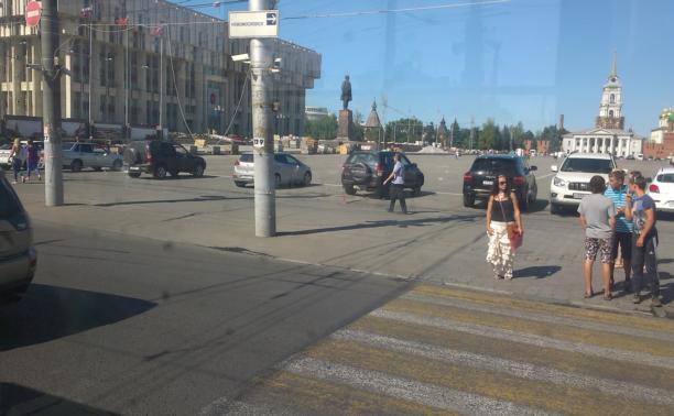 Парковка на площади Ленина
