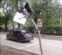 Лихач на «Шкоде» подрубил светофор на ул. Толстого