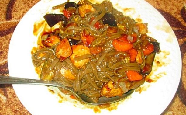 Лапша wok с курицей и соусом терияки