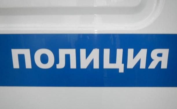 На улице Плеханова под утро обокрали автомобиль