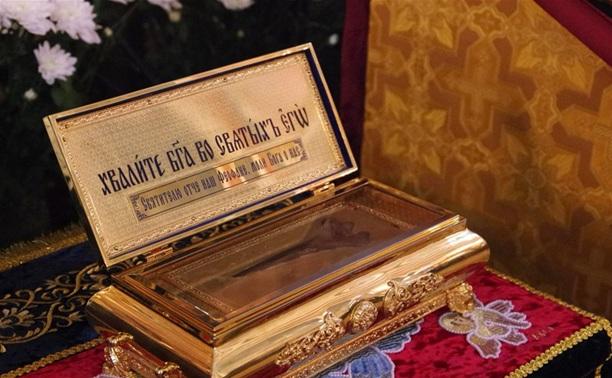 Мощи Феофана Затворника и Казанская икона
