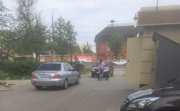 На проспекте Ленина водитель Рено Логан сбил девушку на самокате