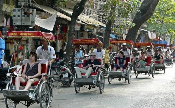 8 декабря: индонезийские велорикши пересели на мототакси из Тулы