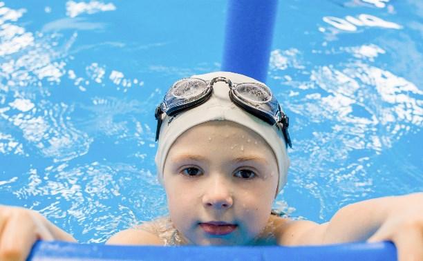 Развиваем малыша: студия раннего плавания «АкваБэби»