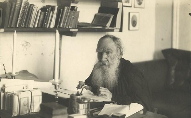 Лев Толстой обожал Диккенса, а Каренину нашёл на балу в Туле