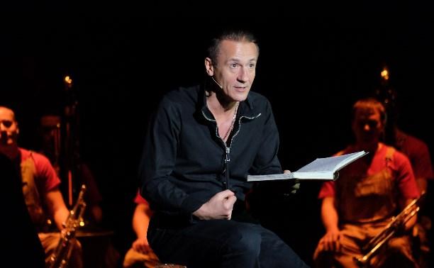 Олег Меньшиков: Люди идут в театр не лапнуть звезду, а прикоснуться к эмоциям!