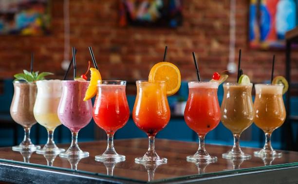 Освежающие летние напитки: рецепты от кафе Тулы