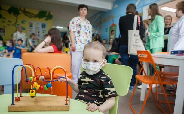 Детская больница: Волонтёры добавили красок