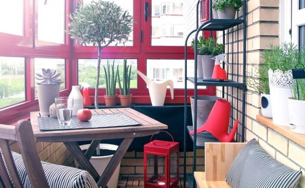 Лето - время менять окна и отделывать балкон
