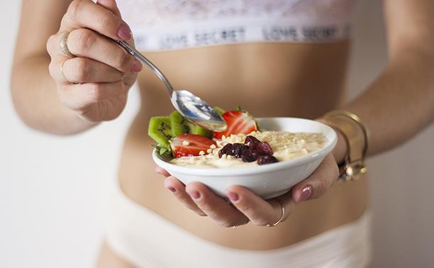 Диетолог Светлана Панькова рассказала, как похудеть без страданий