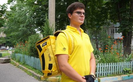 Курьерская доля: как студенту работается в службе доставки еды