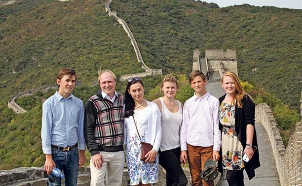 Владимир Толстой:Главная радость в жизни – семья!