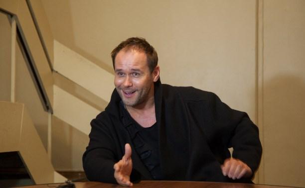 Максим Аверин: Не хочу стать для зрителей надоевшими обоями
